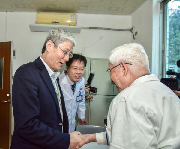 华润集团傅育宁董事长一行到我院开展基层党建工作调研
